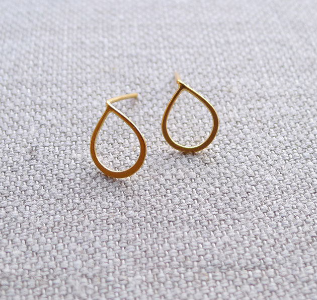 Tiny Charm Post Earrings - Ronja