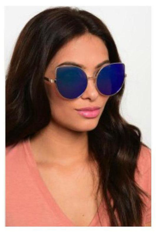 Caught You Staring, Cat Eye Shades