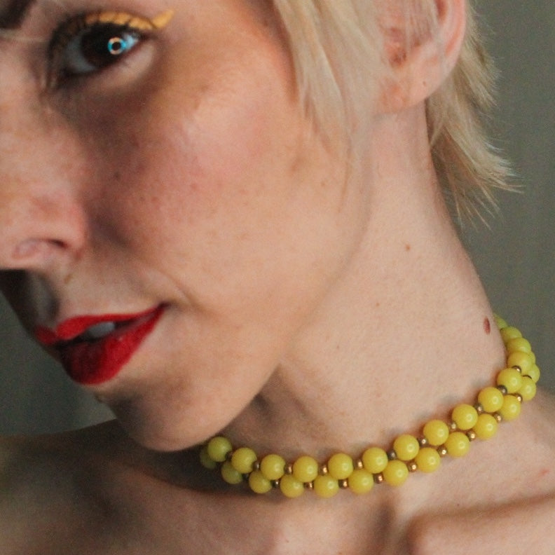 True Vintage Baltic Amber Choker in lemon yellow - Everyday in Retrograde