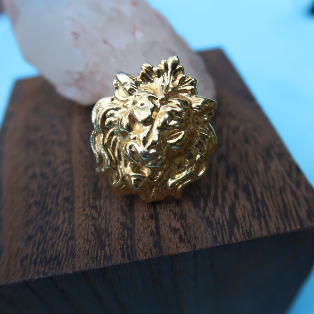 "Vintage Lion's Head Gold Tone Scarf Clip 1.5"" x 1.25"" - Everyday in Retrograde"