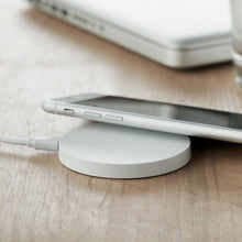 Load image into Gallery viewer, Flake Wireless Charging Pad