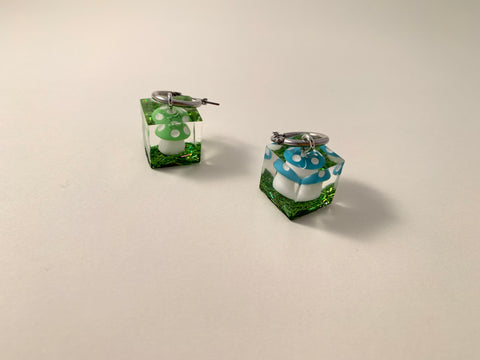 R2S: Amanita Cube Earring-Single Hoop