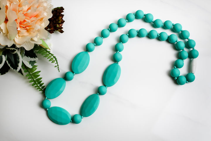 Niplashed Nursing Necklace Niplashed Aquamarine Silicone Nursing Necklace