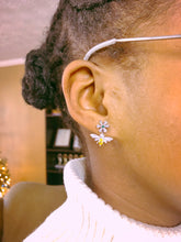 Load image into Gallery viewer, bloomandthebee,The Bloom & The Bee Signature Earring,Bloomandthebee,