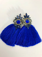 Load image into Gallery viewer, Royal Tassel Earrings