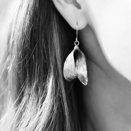Silver Mistle Kiss Earrings | Zoraida London Jewellery
