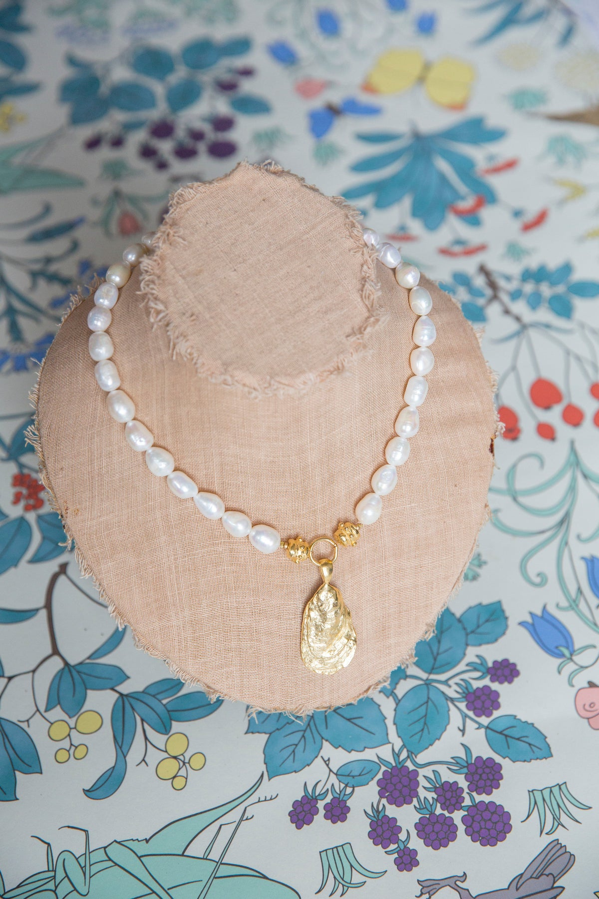 Oyster Pearl Necklace Firefly