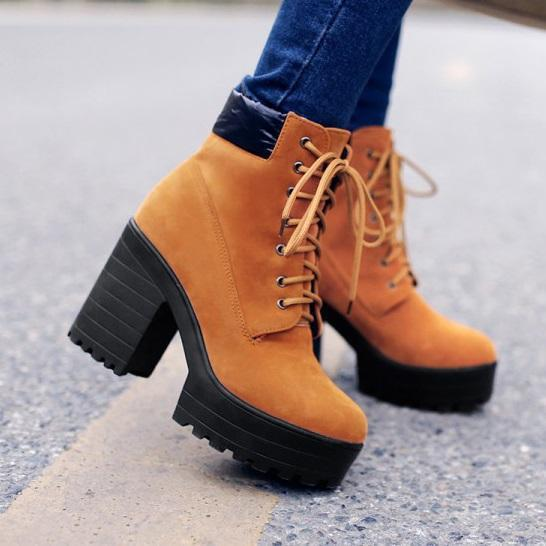 Round Toe Lace-Up Front Chunky Heel Plain Platform Casual Boots