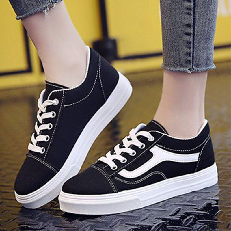 Low-Cut Upper Lace-Up Platform Round Toe Casual Platform Sneakers