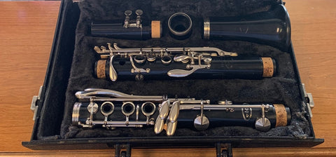 Vito Reso-Tone Clarinet w/Case Good