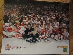 "Detroit Red Wings 2002 Stanley Cup Champions ""The Photo"" 16 x 20 Color Photo W/Tag"