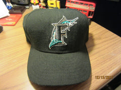 Florida Marlins Solid Black Old Logo Fitted hat 7 3/4 New Era 5950