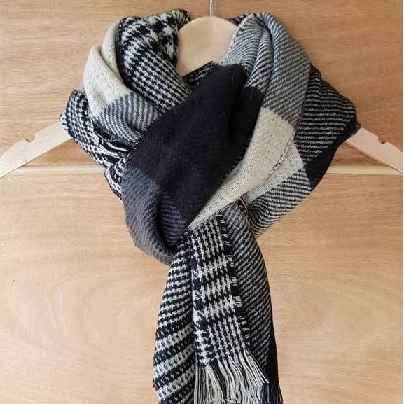 Hello Friday - Reversible Check Scarf