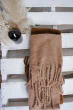 Load image into Gallery viewer, Iris Scarf - Beige