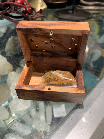 Amber resin with box