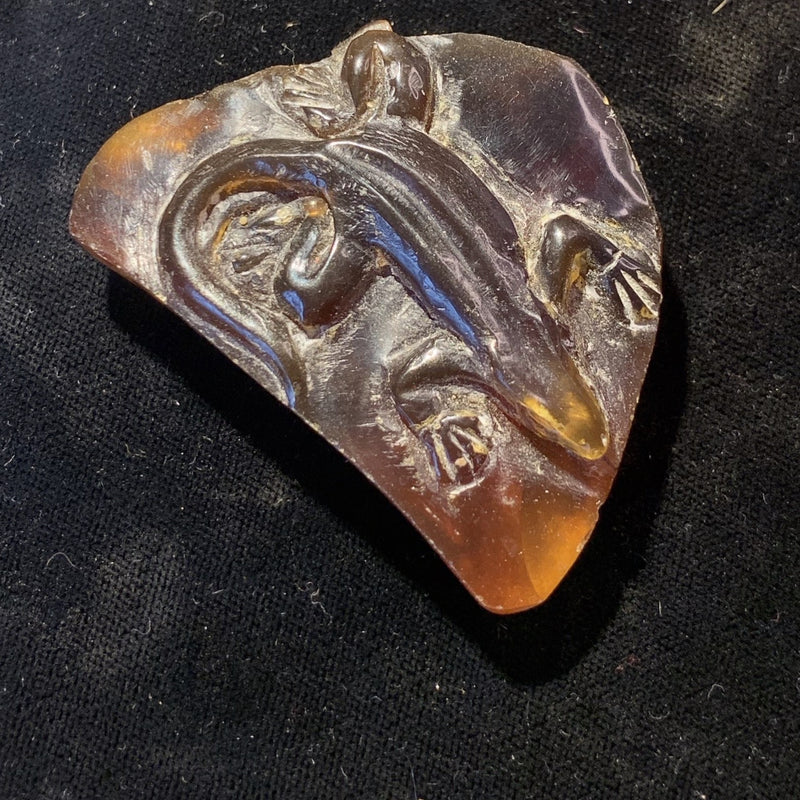 Carving: Amber Lizard