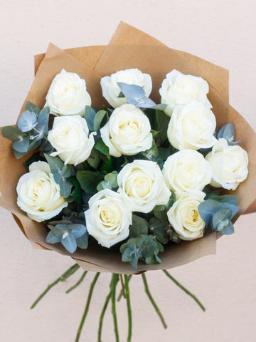 12 White Rose Hand-tied