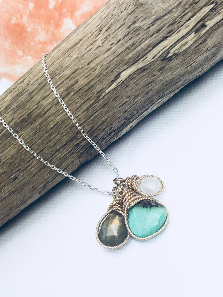 Ray of Light Necklace - Roseabella