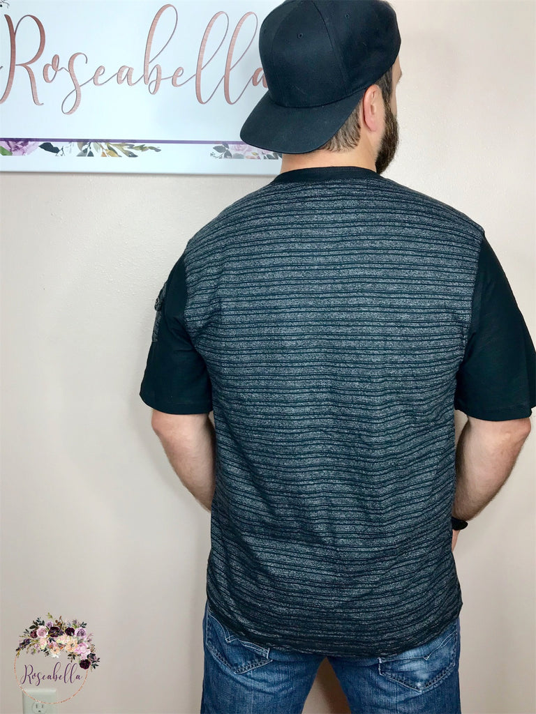 Medium ONLY Men's Black Faded Striped Henley - RoseabellaCo