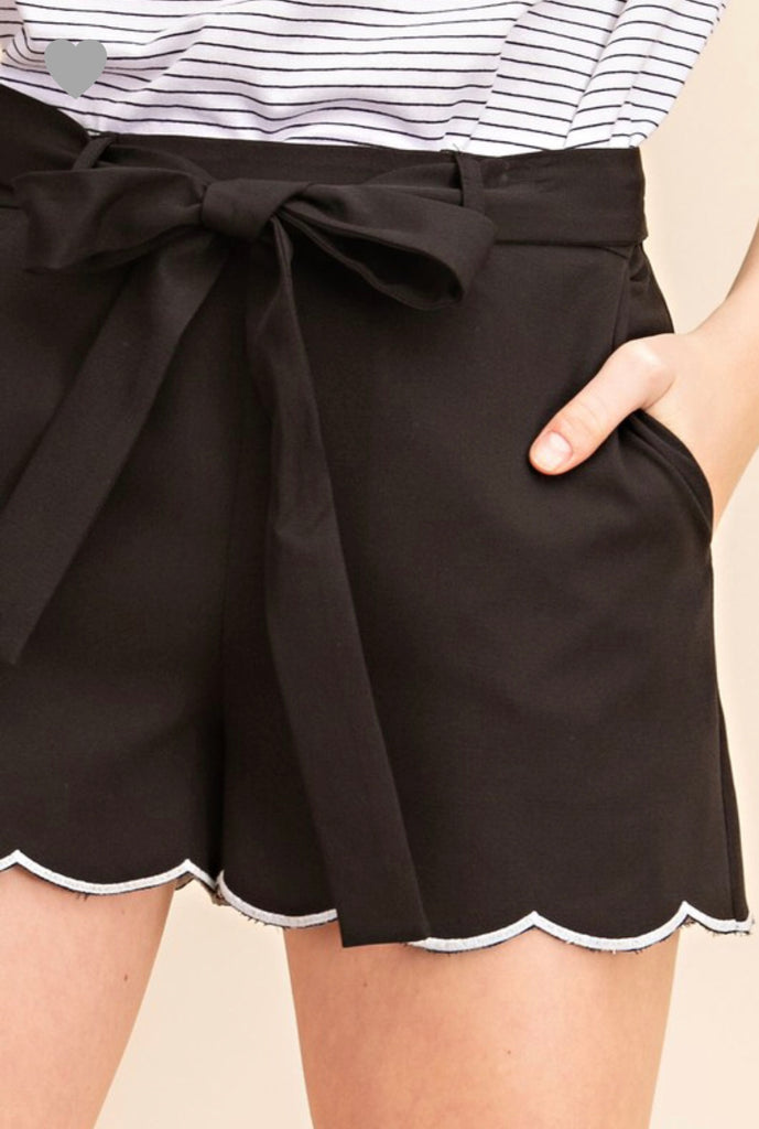 S & L ONLY Black Scalloped Shorts - RoseabellaCo