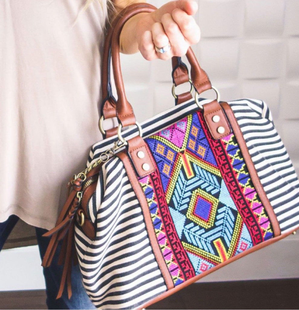 The Embroidered Aztec Purse - RoseabellaCo