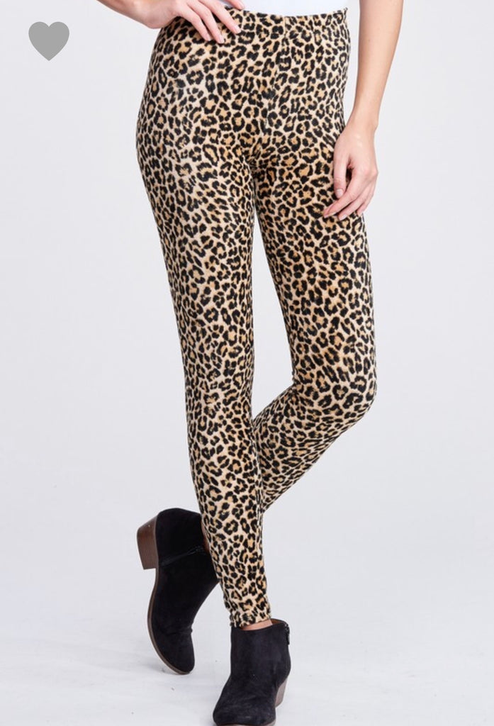 Medium ONLY Cheetah Print Velour Leggings - RoseabellaCo