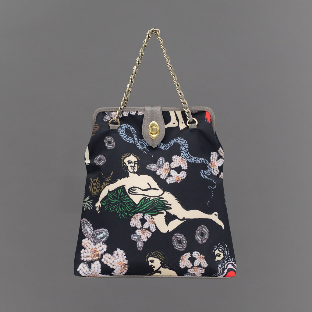 Jezebel  – Tote Apple Black
