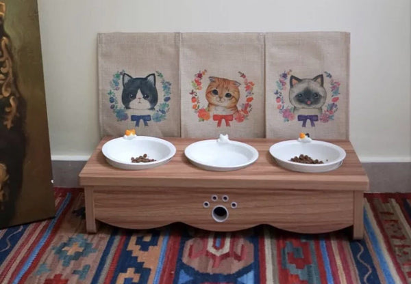 Cat table for cats to eat elegantly