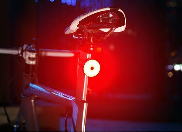 Intelligent induction taillights for bicycles