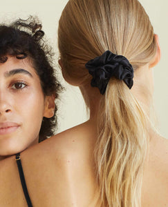 Silk Scrunchie Midnight Black