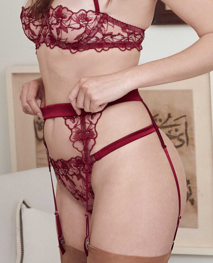 Marilyn Suspender Belt