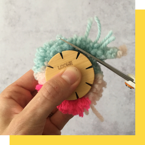 how to use a pom pom trim guide