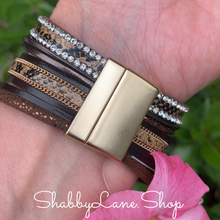 Load image into Gallery viewer, Gorgeous layered bracelet - brown