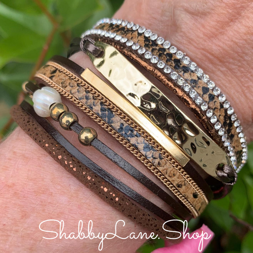 Gorgeous layered bracelet - brown