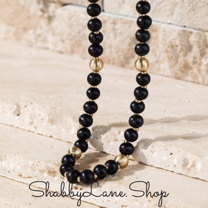 Beautiful beaded necklace - black