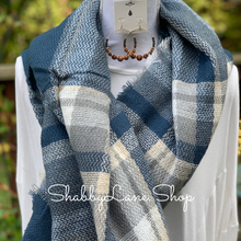 Load image into Gallery viewer, Beautiful blanket scarf -blue tartan
