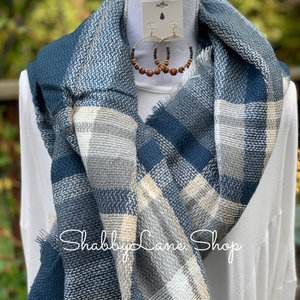 Beautiful blanket scarf -blue tartan