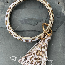 Load image into Gallery viewer, Tassel leopard bracelet key ring - light