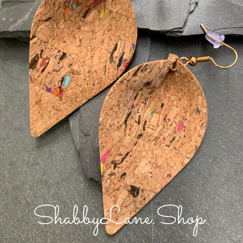 Pinched teardrop cork earrings - multicolor