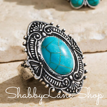 Load image into Gallery viewer, Turquoise stretch ring .