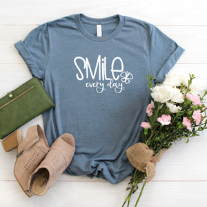 Smile Everyday tee - slate blue