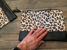 Load image into Gallery viewer, Leopard print zippered clutch