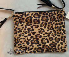 Load image into Gallery viewer, Leopard crossbody/wristlet