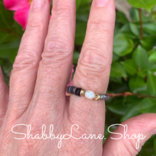 Load image into Gallery viewer, Black stretch beaded ring.