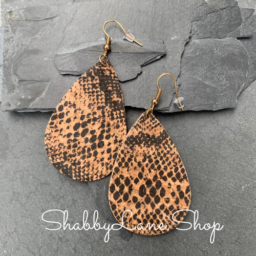 Snakeskin earrings - cork