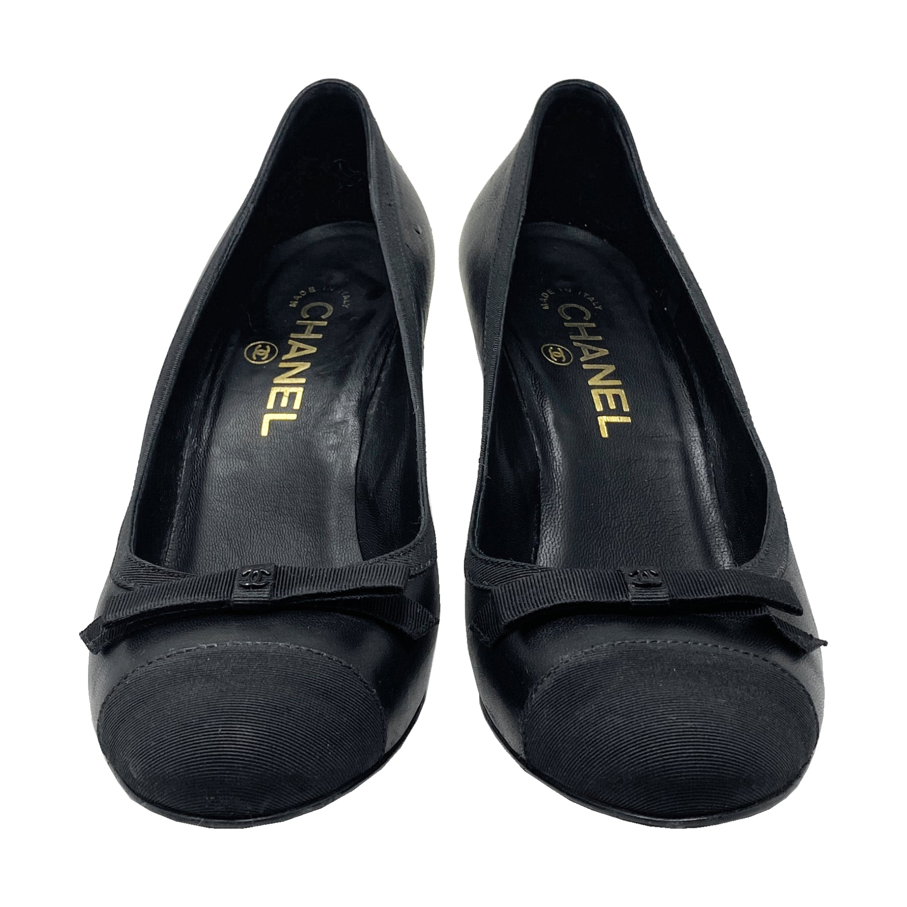 Chanel Grosgrain Cap Toe Leather Pumps Size 37.5