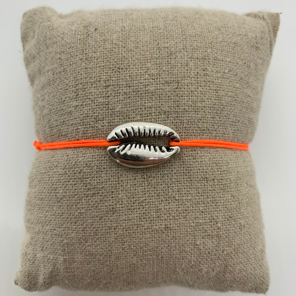 bracelet coquillage argente cordon orange fluo