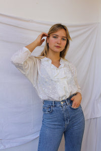 White blouse with fancy collar (M)