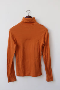 Bright orange turtleneck (S/M)