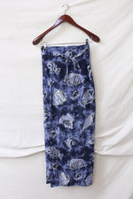Afbeelding in Gallery-weergave laden, Blue maxi beach skirt with fish print (XS-M)